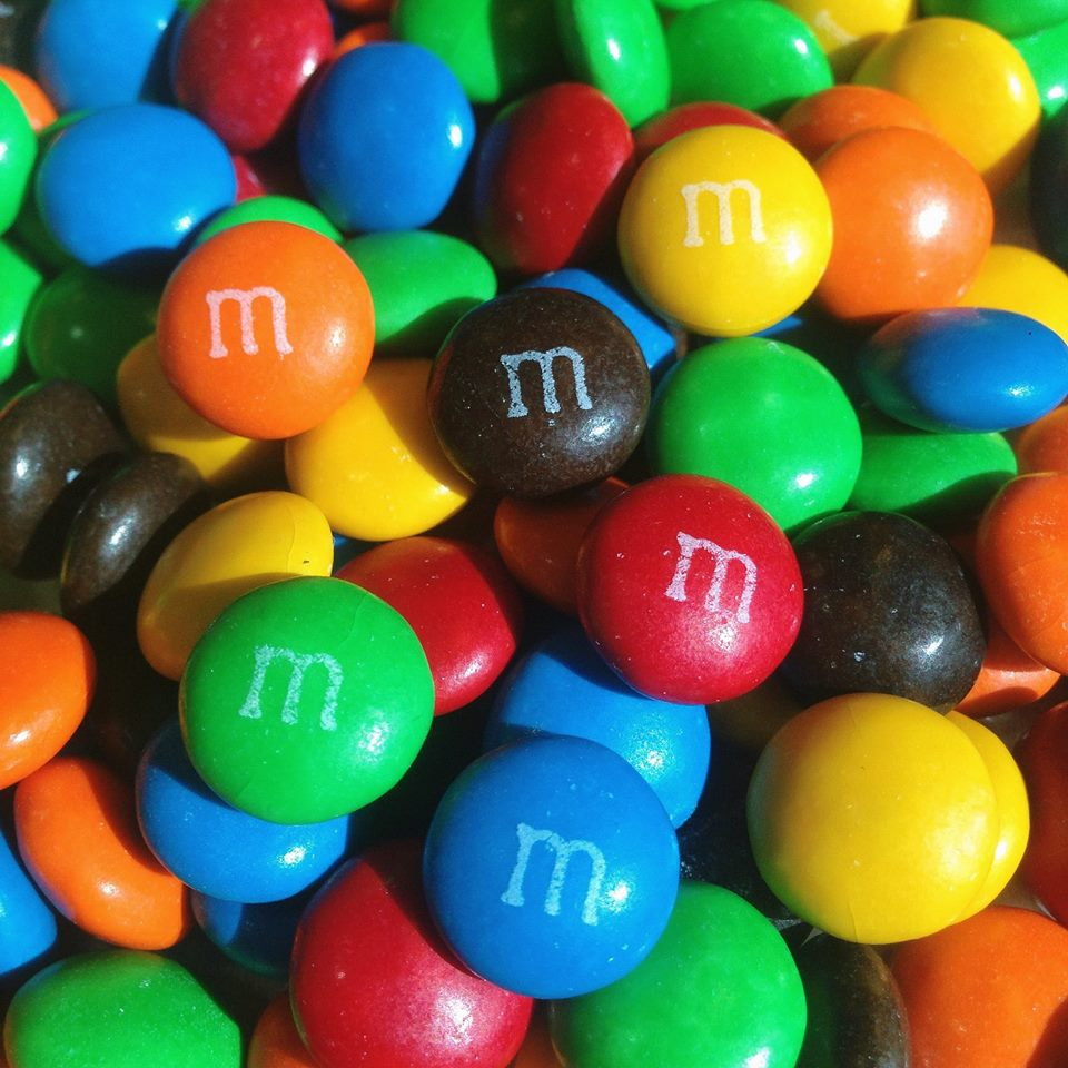 M&Ms Milk Chocolate 10kg Box are available to buy in a 10kg box at Moo-Lolly-Bar